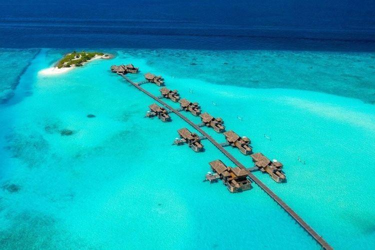 Aerial view of maldives resort Gili Lankanfushi