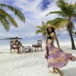 tourist couple at Maldives resort kanuhura