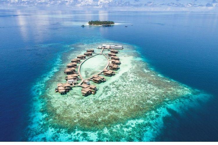 Aerial view of Raffles Maldives Meradhoo