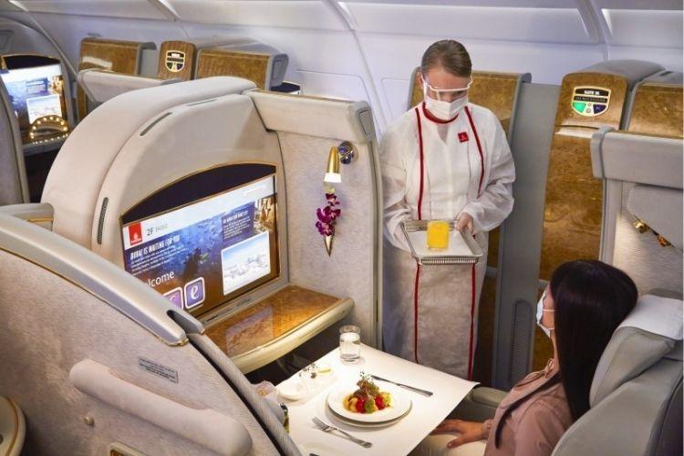 emirates cabin travel